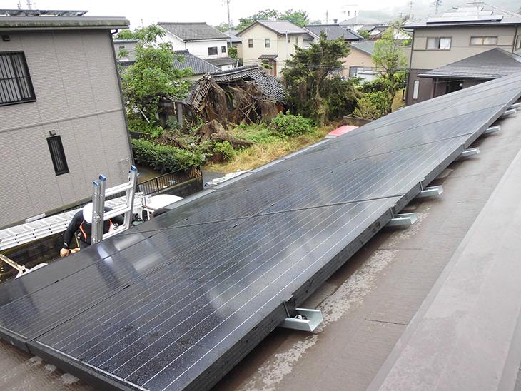 S様邸屋根上太陽光4