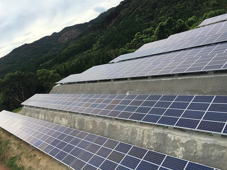 枕崎太陽光発電所画像1