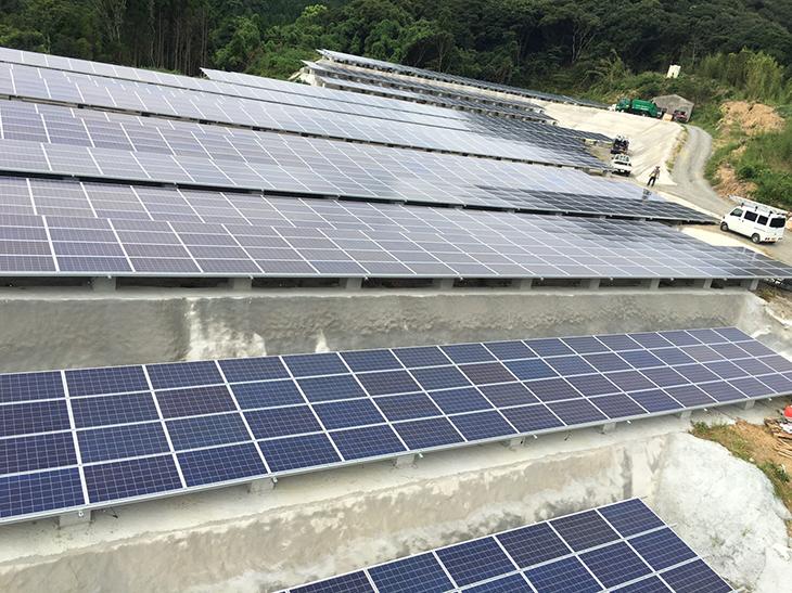 枕崎太陽光発電所画像2
